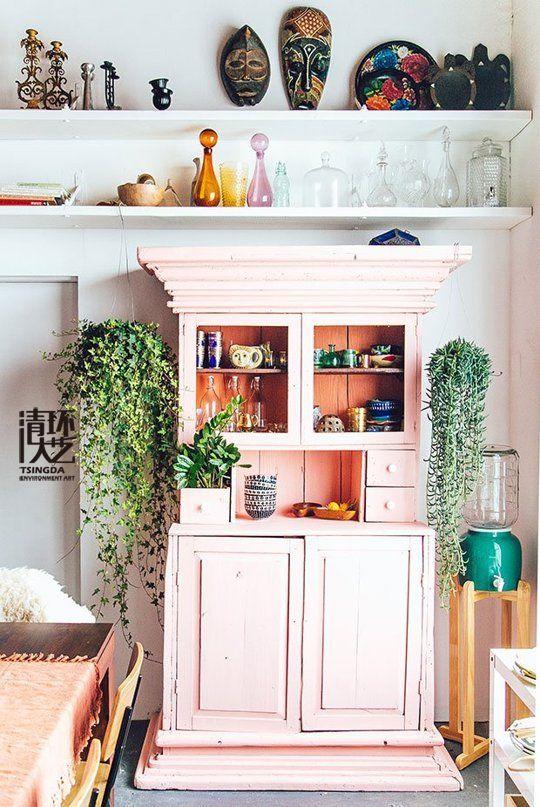 室内陈设品明亮的书柜