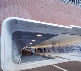 阿姆斯特丹行人和自行车旅行专用道路空间