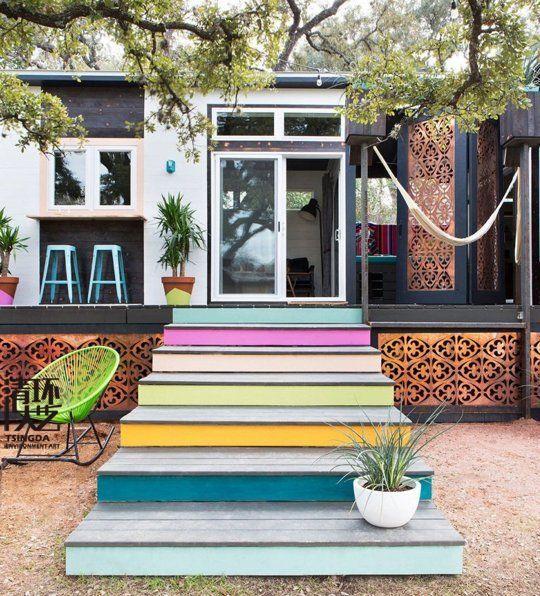 装饰你的庭院只有油漆 (或粉笔!)