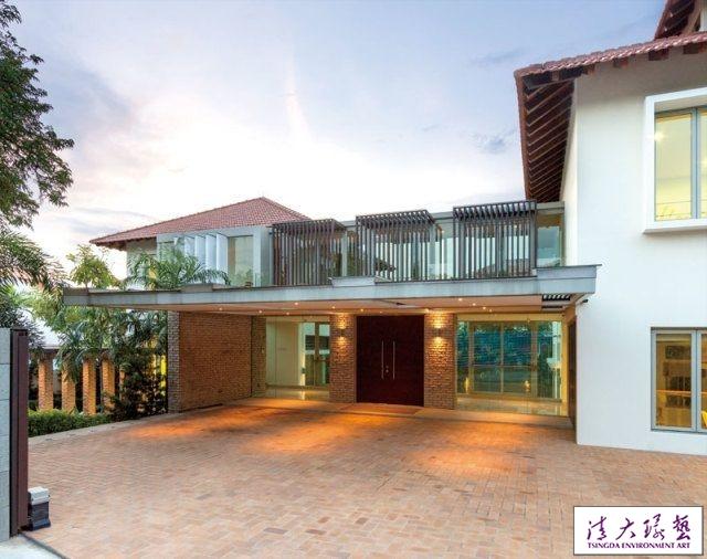 新加坡:大型家庭房 美丽双子楼