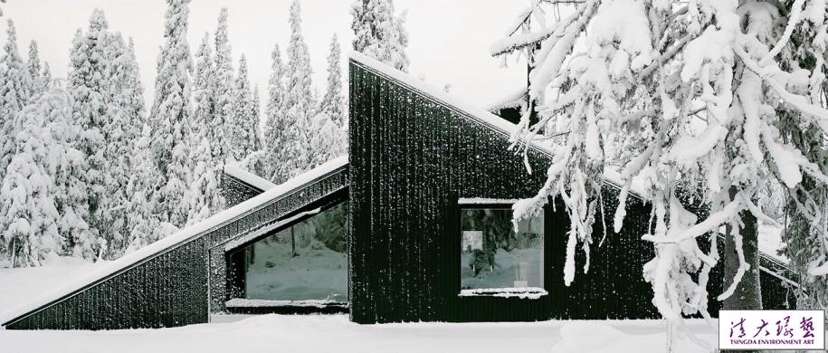 被大雪藏起来的小屋