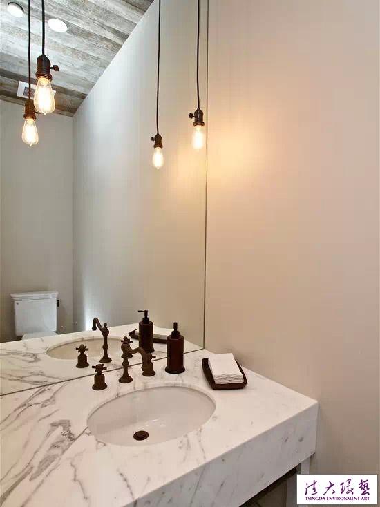 小小照明  让卫生间360度大转变