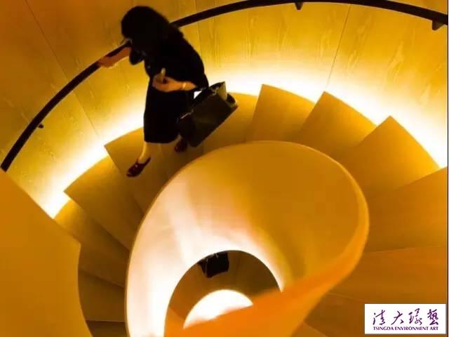 灯光设计,让楼梯瞬间变生动