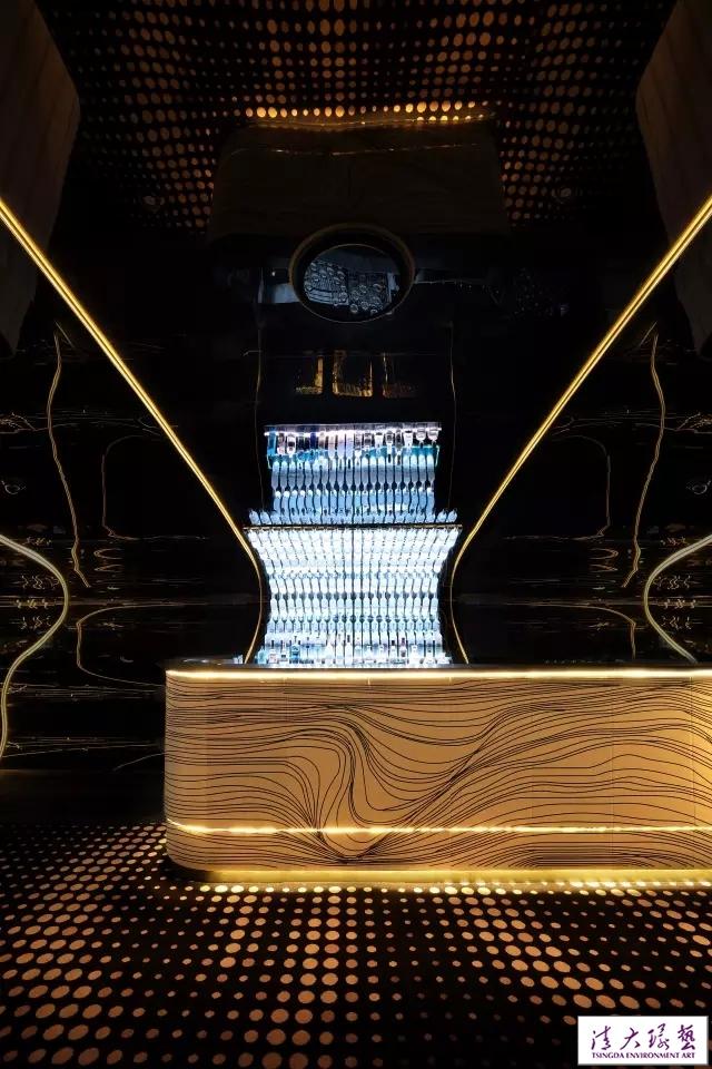 不仅仅是酒吧,更是极致优雅的夜店设计