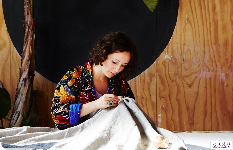 【软装配饰】绘画与刺绣的创作碰撞