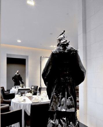 梁景华作品:北京希尔顿逸林酒店