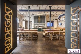 街头酒吧室内装饰传统与现代混搭的工业风