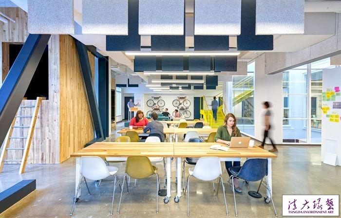 缤纷色彩办公室室内设计舒适与办公同样重要