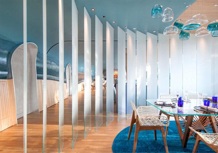 蓝色调餐厅室内设计展示着海洋的魅力