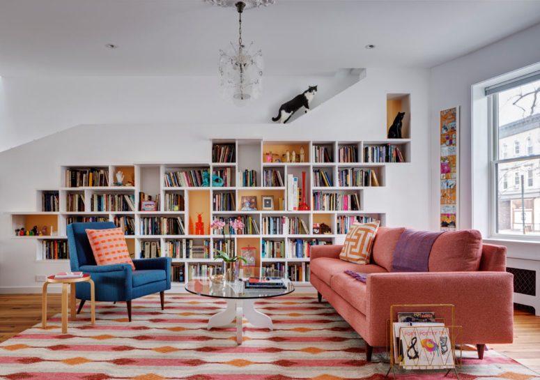 布鲁克林房子设计为书籍收藏和他们的宠物猫提供空间