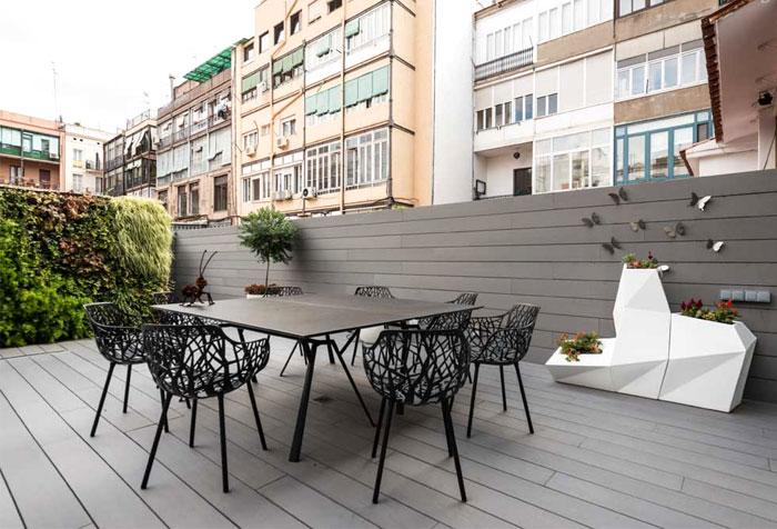 充满活力和现代气息的巴塞罗那公寓改造设计