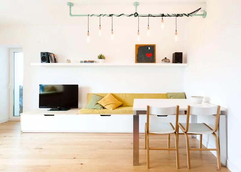 北欧风格的室内装饰很多干净的线条和精心挑选的家具