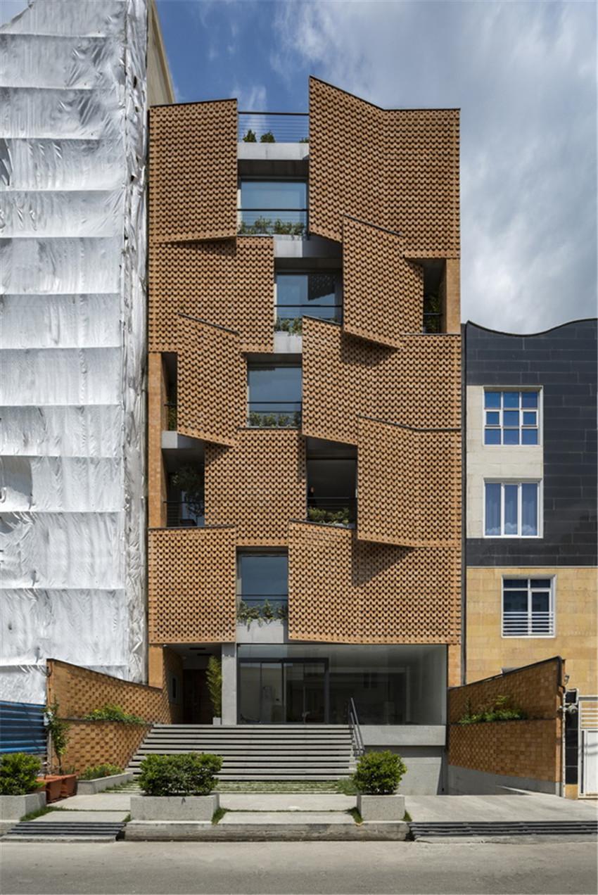 以空间区分空间:伊朗Saadat Abad公寓楼