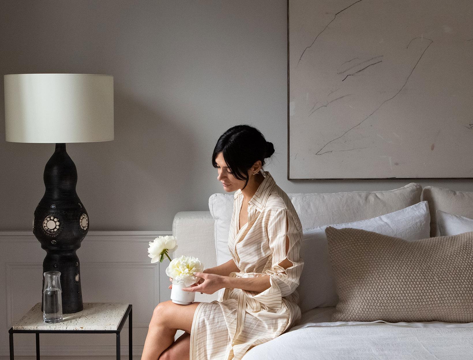 雅典娜·卡尔德龙与创造最温暖、最温馨、最具吸引力的客房的秘诀