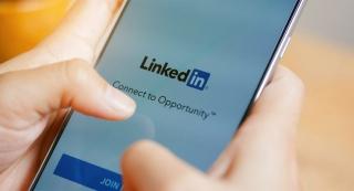 领英 LinkedIn 更新品牌形象,传递温暖与包容