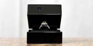 内置摄像头的戒指盒,记录求婚的美好瞬间