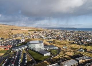 BIG完成法罗群岛的漩涡状教育中心