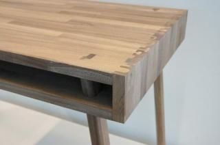 榫卯之美:传统木工桌子设计