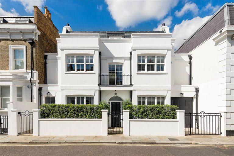 独特现代家庭住宅设计,并带有私密庭院