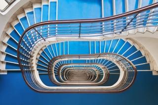 令人惊叹的包豪斯,装饰艺术风格的楼梯建筑摄影系列