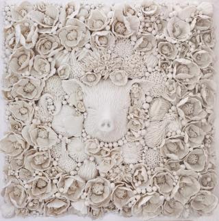 如此迥异的单色陶瓷雕塑,令人惊叹